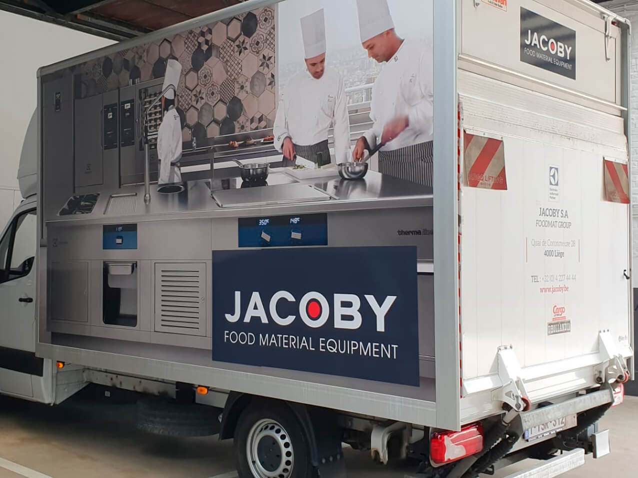 jacoby-lettrage-sticker-aluvan-wrapping