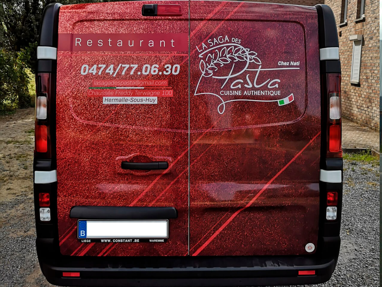 saga-pasta-sticker-lettrage-camionette-vehicule-wrapping